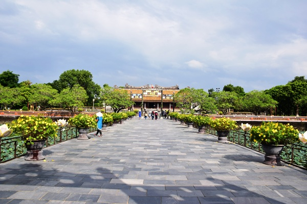 Hue full day tour